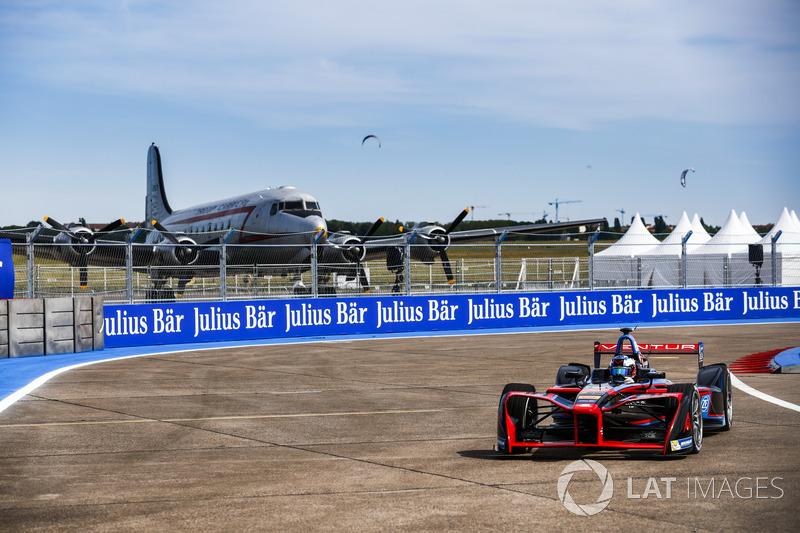 Вторая половина сезона состояла из трех сдвоенных этапов. В Берлине гонки Формулы E вернулись в закрытый аэропорт «Темпельхоф»