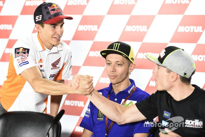 Marc Marquez, Repsol Honda Team; Valentino Rossi, Yamaha Factory Racing; Aleix Espargaro, Aprilia Ra