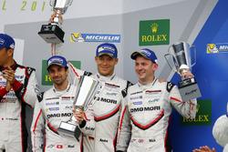 Podium: #1 Porsche Team Porsche 919 Hybrid: Neel Jani, Andre Lotterer, Nick Tandy