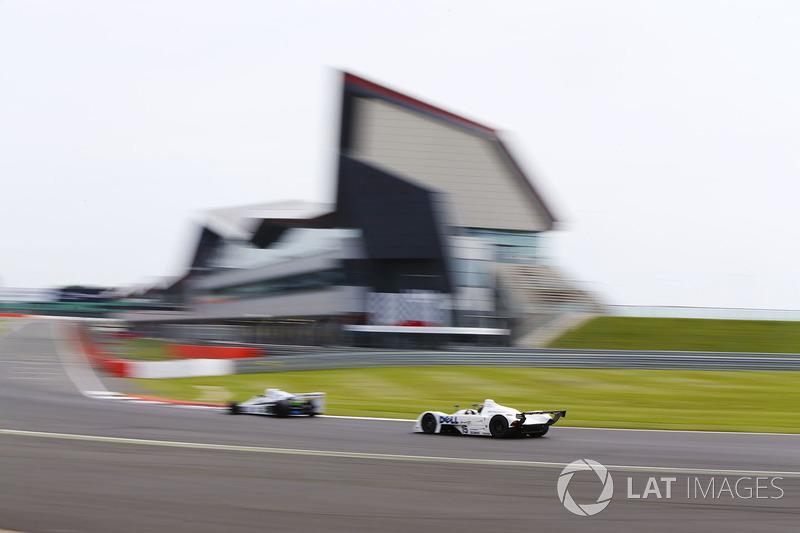 Williams FW06 vor dem BMW V12 LMR