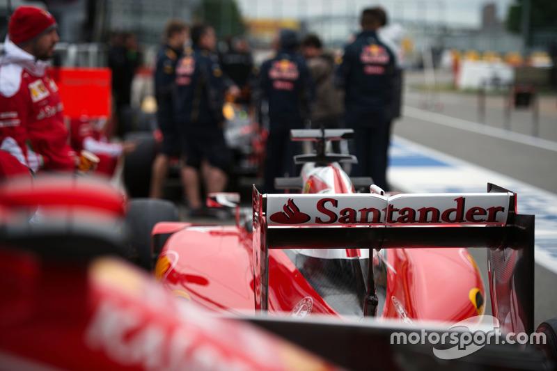 Ferrari SF16-H in the pits