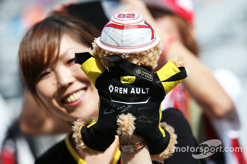 A Kevin Magnussen, Renault Sport F1 Team fan and teddy