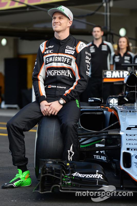 Nico Hulkenberg, Sahara Force India F1 lors d'une photo d'équipe
