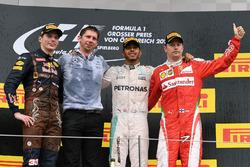 Max Verstappen, Red Bull Racing, James Vowles, Mercedes AMG F1 Chief Strategist, Lewis Hamilton, Mercedes AMG F1 and Kimi Raikkonen, Ferrari celebrate on the podium