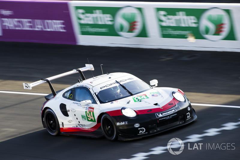 38. Ромен Дюма, Тимо Бернхард, Свен Мюллер, Porsche GT Team, Porsche 911 RSR (№94)