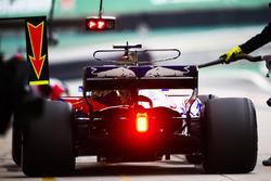 Пит-стоп: Брендон Хартли, Scuderia Toro Rosso STR12