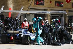 Valtteri Bottas, Mercedes AMG F1 W08, in the pit stops