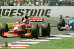Jacques Villeneuve, Williams, devant Giancarlo Fisichella, Benetton