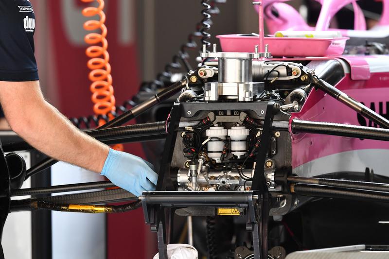 53/5000 Force India VJM11 chasis y detalles de suspensión delantera