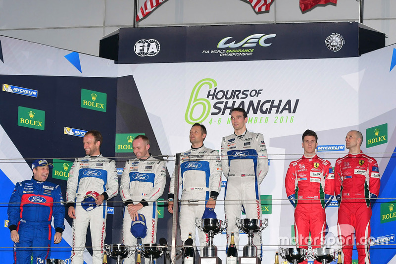 Podium GTE-Pro: 1. #67 Ford Chip Ganassi Racing Team UK, Ford GT: Andy Priaulx, Harry Tincknell; 2. #66 Ford Chip Ganassi Racing Team UK, Ford GT: Olivier Pla, Stefan Mücke; 3. #51 AF Corse, Ferrari 488 GTE: Gianmaria Bruni, James Calado