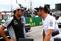 Серхіо Перес, Sahara Force India F1 та Дженсон Баттон, McLaren на параді пілотів
