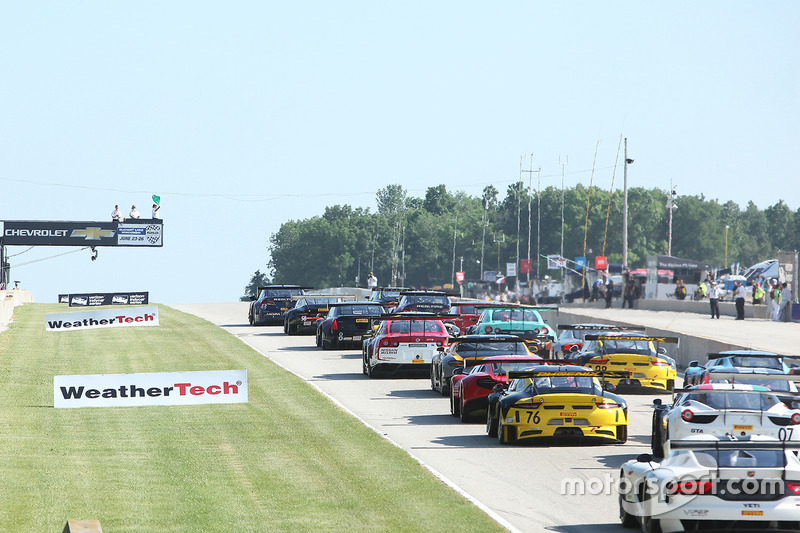 Start: #43 RealTime Racing Acura TLX-GT: Ryan Eversley lider