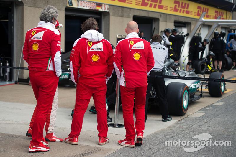 The Ferrari team take a look at the Mercedes AMG F1 W07 Hybrid