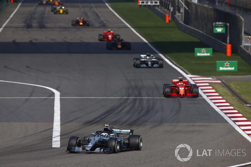 Valtteri Bottas, Mercedes AMG F1 W09, Sebastian Vettel, Ferrari SF71H, Lewis Hamilton, Mercedes AMG F1 W09, Max Verstappen, Red Bull Racing RB14 Tag Heuer, et Kimi Raikkonen, Ferrari SF71H