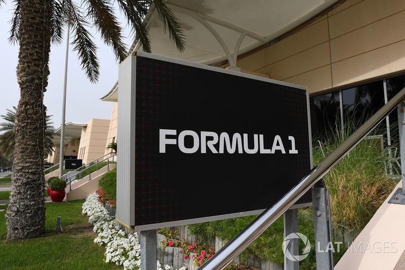 Formula 1 team building