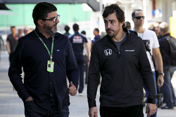 Fernando Alonso, McLaren with his Manager Luis Garcia Abad (ESP)