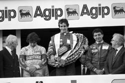 Podium : le vainqueur Alain Prost, McLaren, le deuxième Michele Alboreto, Ferrari, le troisième Nelson Piquet, Brabham