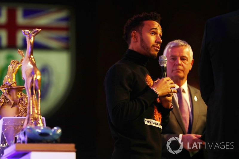 Lewis Hamilton, Derek Warwick