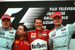 Podium : Mika Hakkinen , Jean Todt, Michael Schumacher, Ferrari F1 2000 et David Coulthard