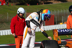 Fernando Alonso, McLaren MCL33 stops on the side of the track