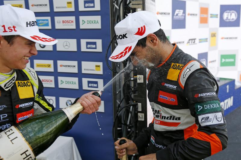Rookie Podium: Lando Norris, Carlin Dallara F317 - Volkswagen en Jehan Daruvala, Carlin, Dallara F3