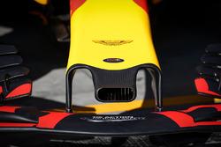 Red Bull Racing RB13 nariz, detalle de ala delantera