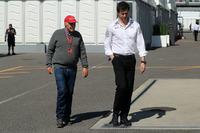 Невиконавчий директор Mercedes AMG Нікі Лауда, керівник Mercedes AMG F1 Тото Вольфф
