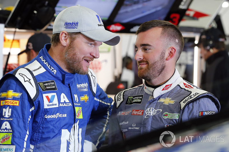 Dale Earnhardt Jr., Hendrick Motorsports Chevrolet, Austin Dillon, Richard Childress Racing Chevrolet