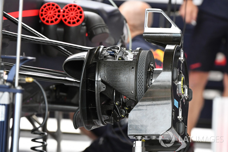 Red Bull Racing Rb13 ön süspansiyon detay