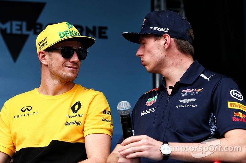 Nico Hulkenberg, Renault Sport F1 Team con Max Verstappen, Red Bull Racing