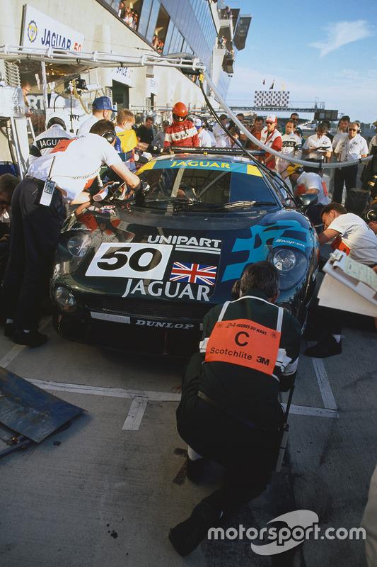 #50 TWR, Jaguar XJ220C: John Nielsen, David Brabham, David Coulthard