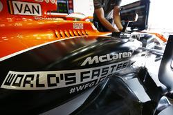 World Fastest Gamer logo on the car of Stoffel Vandoorne, McLaren MCL32