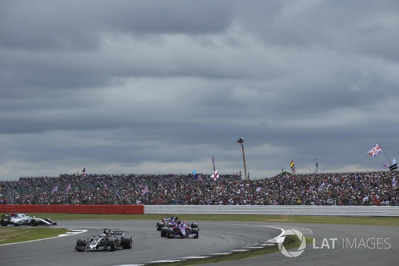 Ромен Грожан, Haas F1 Team VF-17, Данііл Квят, Scuderia Toro Rosso STR12