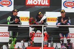 Podium: second place Leon Haslam, Puccetti Racing, race winner Tom Sykes, Kawasaki Racing, third place Alex Lowes, Pata Yamaha