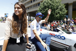 Fernando Alonso, Andretti Autosport Honda with girlfriend Linda Morselli