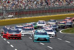 Denny Hamlin, Joe Gibbs Racing Toyota, Ryan Blaney, Team Penske Ford