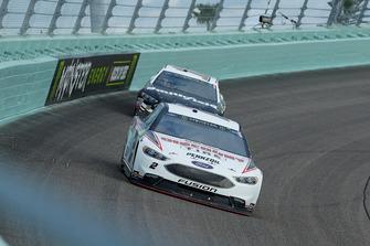 Brad Keselowski, Team Penske, Ford Fusion Discount Tire, Aric Almirola, Stewart-Haas Racing, Ford Fusion Smithfield