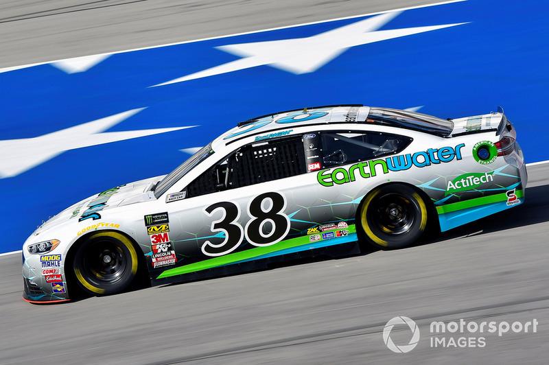 27. David Ragan, Front Row Motorsports, Ford Fusion Earthwater