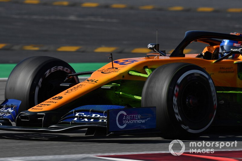 Carlos Sainz Jr., McLaren MCL34 with aero paint on front suspension