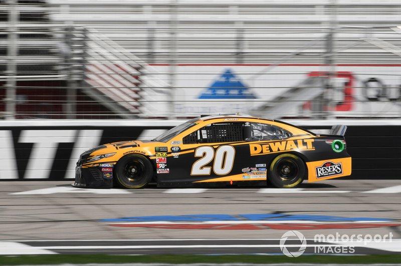 15. Erik Jones, Joe Gibbs Racing, Toyota Camry DeWalt