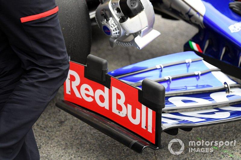 Scuderia Toro Rosso STR14, detalle del alerón delantero