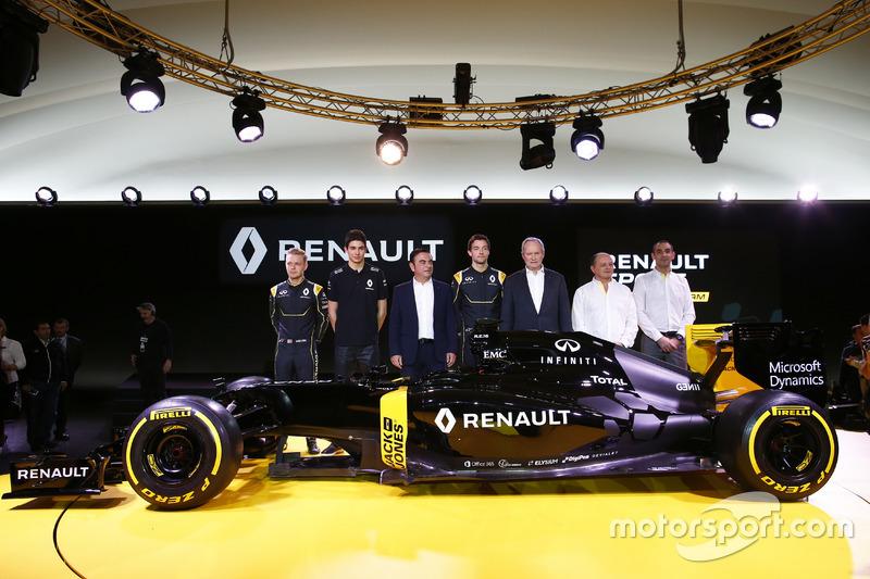 Kevin Magnussen, Renault F1 Team; Esteban Ocon, piloto de pruebas de Renault F1 Team; Carlos Ghosn,