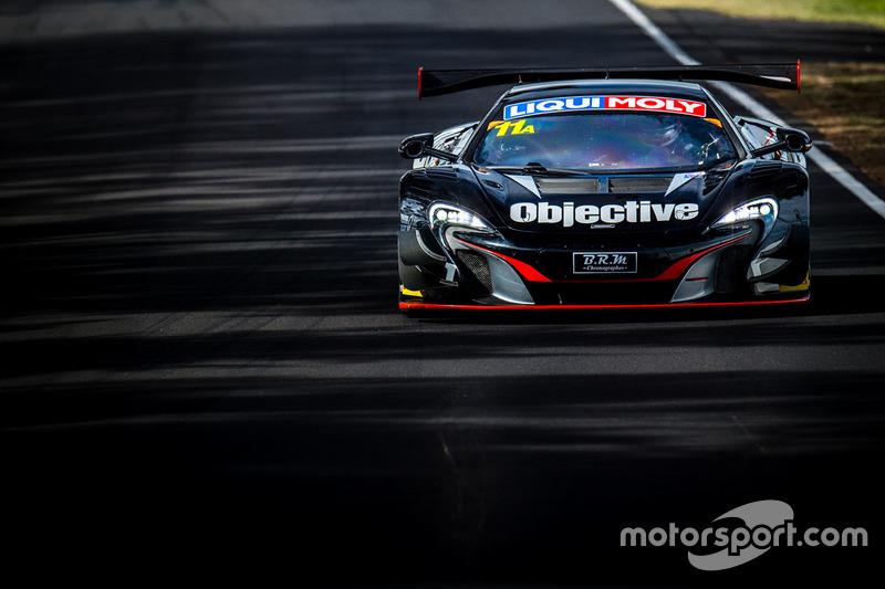#11 Objective Racing, McLaren 650s GT3: Tony Walls, Warren Luff, Tim Slade, Alex Davison