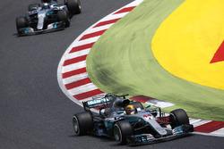 Lewis Hamilton, Mercedes AMG F1 W08; Valtteri Bottas, Mercedes AMG F1 W08