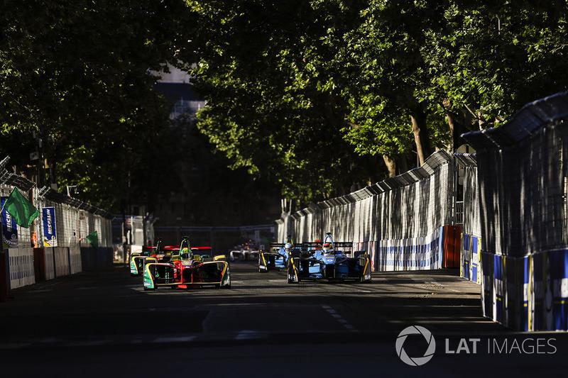 Lucas di Grassi, ABT Schaeffler Audi Sport, et Sébastien Buemi, Renault e.Dams