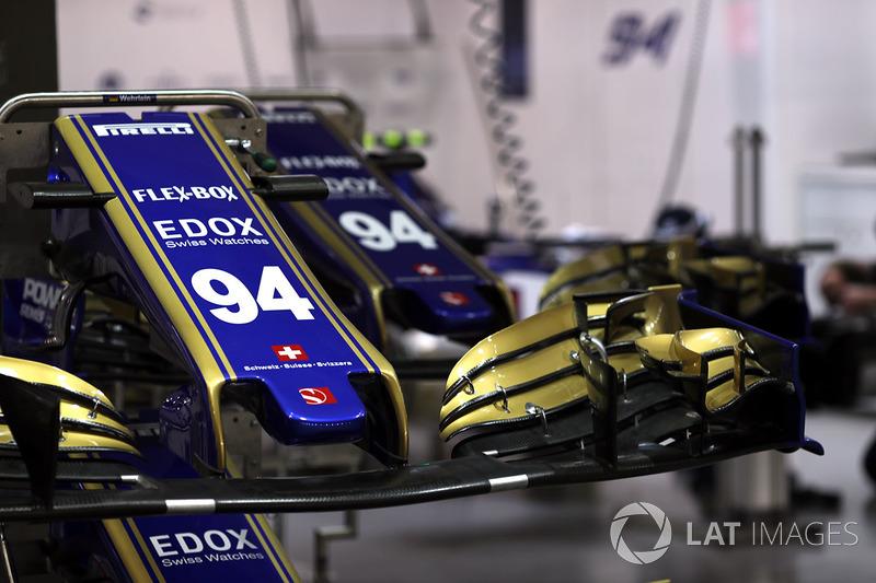 Auto von Pascal Wehrlein, Sauber C36, Nase und Frontflügel, Detail