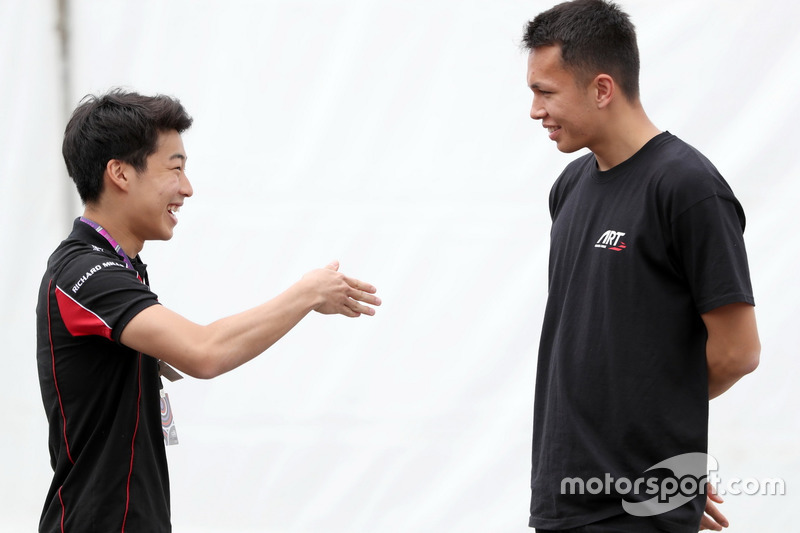 Nirei Fukuzumi talks to Alexander Albon, ART Grand Prix