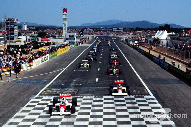 Alain Prost, McLaren MP4/5 Honda llidera en el segundo comienzo