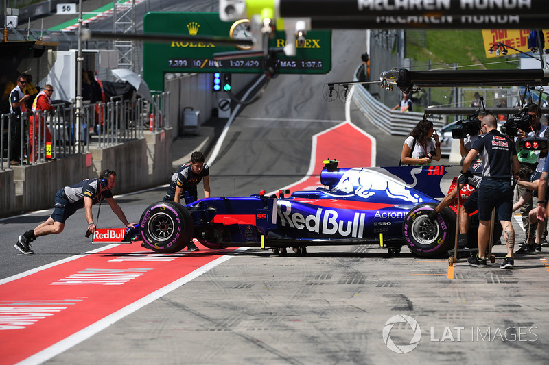 Scuderia Toro Rosso STR12 Данііла Квята