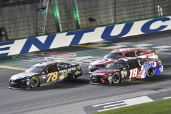 Martin Truex Jr., Furniture Row Racing Toyota, Kyle Busch, Joe Gibbs Racing Toyota, Kyle Larson, Chi